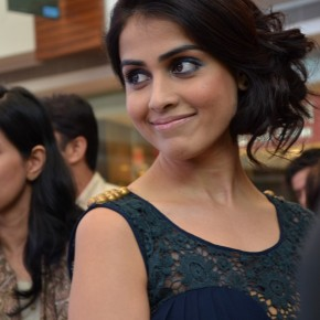 Yes, it sounds incredible, but Genelia did pose for my camera!