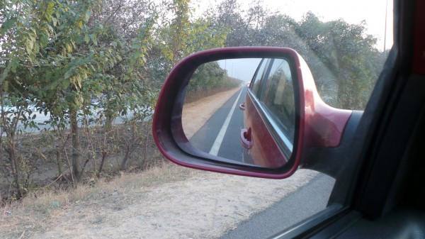 Ah! the Vista D90 zips ahead on the Indian roads with great aplomb!